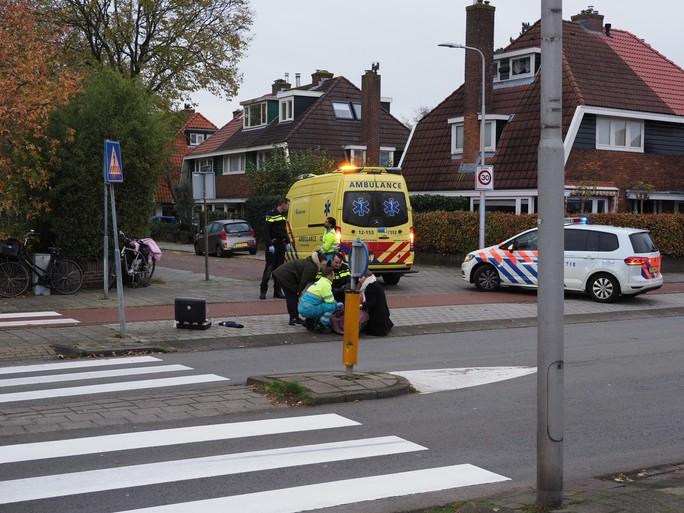 Fietser zwaargewond bij botsing met scholier op fietspad in Driehuis