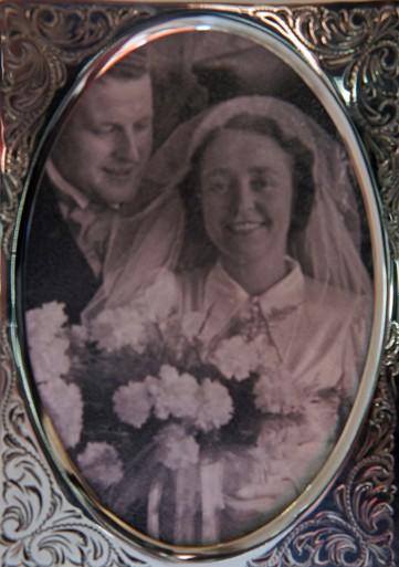 Juliana en Bernard, geboren in het oorlogsjaar 1941 in Bloemendaal [video]