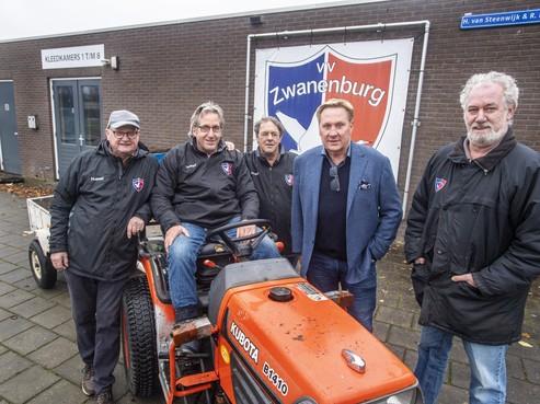 Zwanenburg wil minstens 150 jaar worden, maar viert eerst eeuwfeest van voetbalvereniging Halfweg