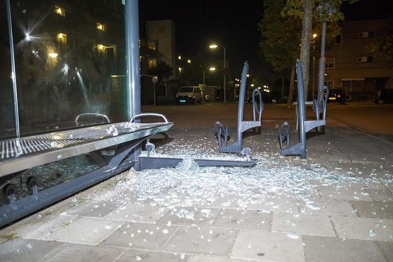 Bushokjes vernield aan Vrijheidsweg Haarlem