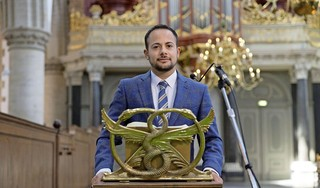 Schrijver en performance artist Mounir Samuel spreekt Willem Arondéuslezing van de provincie Noord-Holland uit