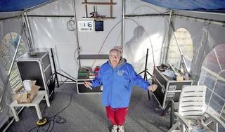 Rinus Beusenberg verdubbelt zijn uitdaging voor de voedselbank: twee miljoen keer touwtje springen [video]