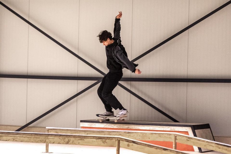 Thomas Adamidis in 'zijn' skatehal.