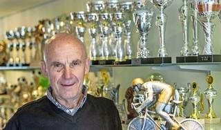 'Het was de tijd van de flowerpower maar ik wilde lekker sporten', het resulteerde in een loopbaan van zestien jaar als wielrenner voor Theo Smit