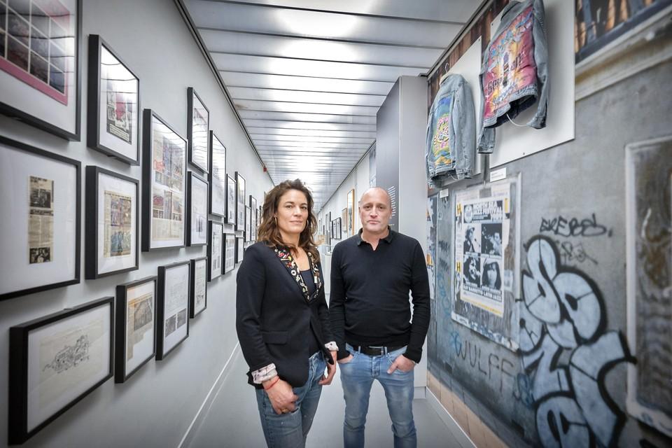 Richard van Tiggelen en Sanne van Doorn op de tentoonstelling Graffiti in het ABC Architectuurcentrum in Haarlem.