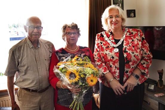 Echtpaar zestig jaar tevreden met huwelijk en woning aan Huigsloterdijk in Buitenkaag