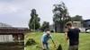 Heemstedenaren gaan strijd aan met waterpest. 'Ik durf niet eens meer weg te varen'