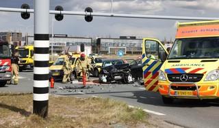 Ravage op Amsterdamse Baan; twee gewonden bij zwaar auto-ongeluk in Lijnden [update]