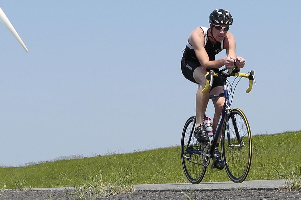 De triatlon van Huizen gaat door.