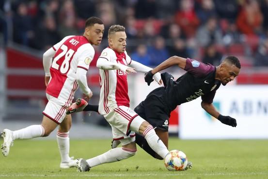 Ajax dendert ook over FC Utrecht heen [video]