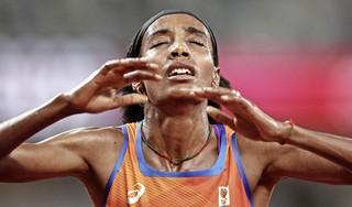 Sifan Hassan volgt haar hart. Atlete aast na de WK-dubbelslag in 2019 op een olympische drieluik. 'Ze is een streber, autonoom en vertrouwt op haar intuïtie'