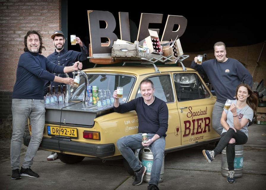 De initiatiefnemers van Gappie Tappie met uiterst rechts Birgit Ente.