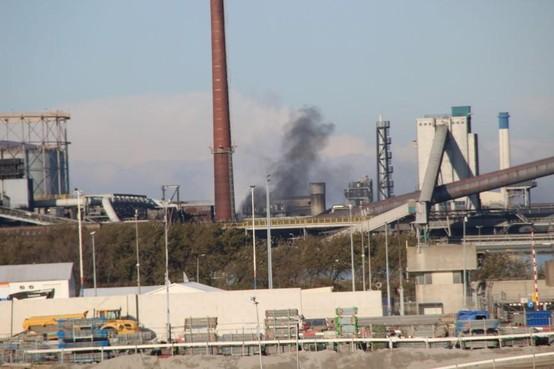 Provincie legt Tata Steel dwangsom van maximaal 1,5 ton op voor ongezonde zwarte wolken uit kooksfabrieken