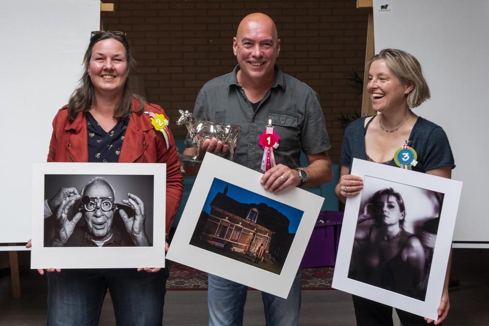 Talitha Hoppe (tweede prijs), winnaar René van Rijswijk en Willemien Kamps (derde prijs).