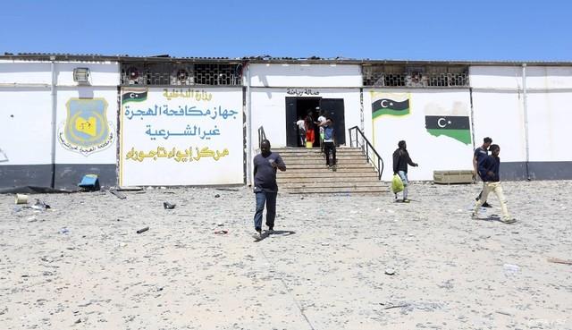 'Weer migranten in gebombardeerd kamp Tripoli'