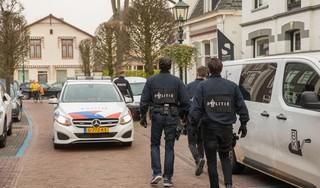 Politie-invallen in Baarn en Soest als gevolg van een heterdaadje bij een drugsdeal; Twee Baarnaars en een Soester aangehouden