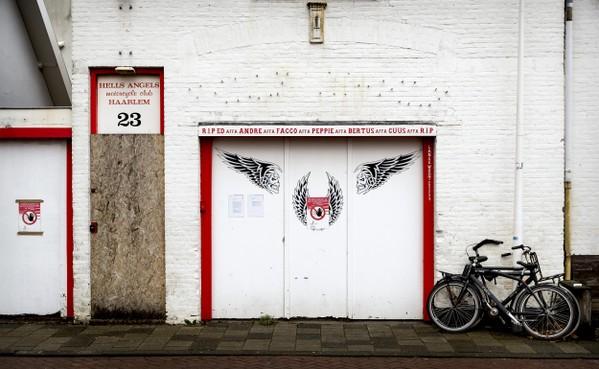'Buurt bij station Haarlem onveilig zonder Hells Angels'