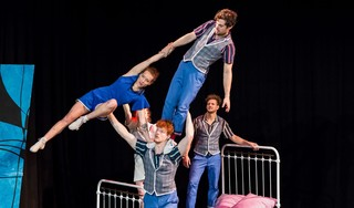Gemengde gevoelens bij Haarlemse Laura van Hal na toekennen subsidie voor Wirwar, dat circustheatervoorstellingen voor kinderen maakt