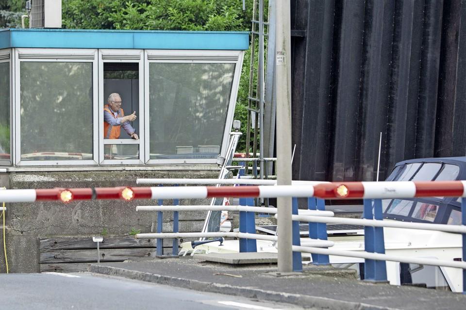 De brugwachter had dinsdagmorgen schik. Er waren nu eens geen storingen.
