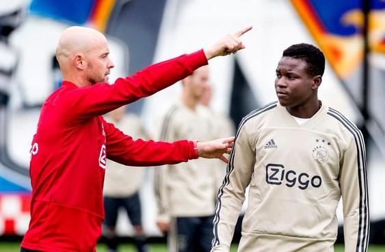 Ajax verhuurt aanvaller Bandé aan Zwitserse club FC Thun