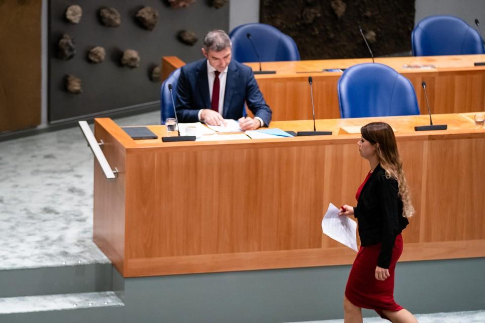 Demissionair Staatssecretaris Paul Blokhuis van Volksgezondheid, Welzijn en Sport (ChristenUnie) en Lisa Westerveld (Groenlinks) tijdens een debat over misstanden in de turnsport.