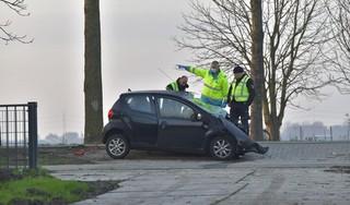 Automobilist overleden na aanrijding tegen boom in Nieuw-Vennep