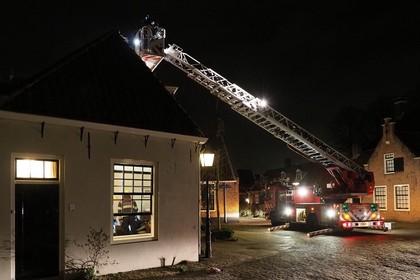 Schrik door brand in rijksmonument in Oud-Velsen: 'Ik zag opeens ook áchter de kachel vlammen'