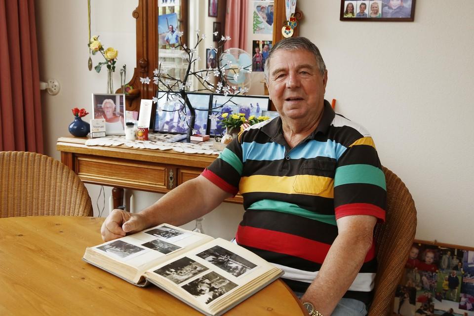 Fotoalbums herinneren Wob Telder aan zijn Nel.