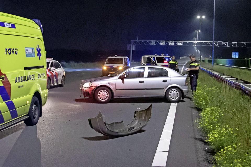 Door de crash was de A1 richting Hoevelaken drie kwartier dicht.