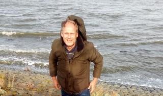 Toen er geen plan bleek voor zeldzame plantjes aan Afsluitdijk, sloeg Ben Bruinsma zelf maar aan het redden van het groen