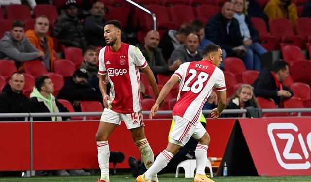 Rechtsback Dest verlaat Ajax voor FC Barcelona