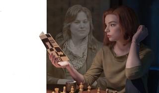 Netflix-hit 'The Queen's Gambit' wakkert genderdiscussie in het schaken aan. Zoektocht naar koningin
