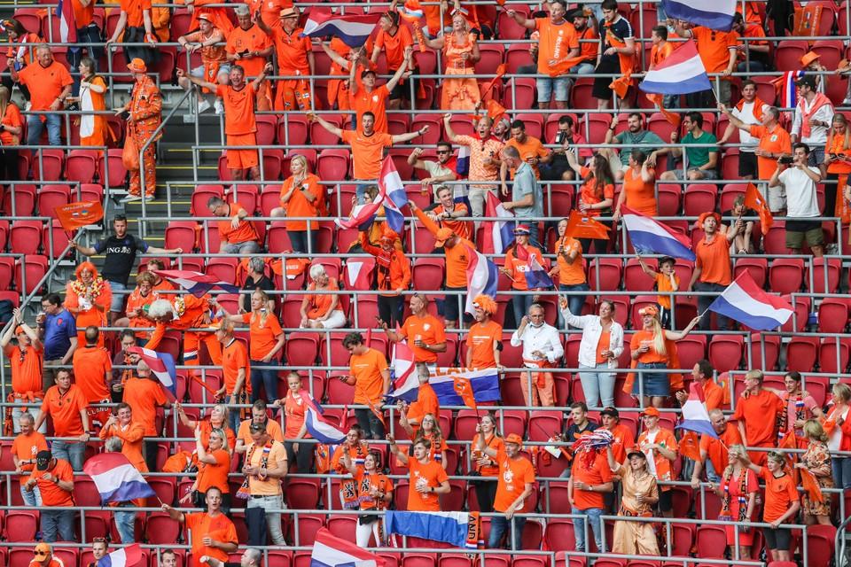 Supporters van Oranje in de Johan Cruijff ArenA.
