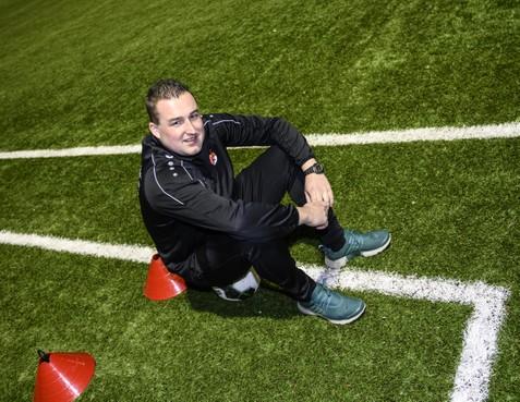 'DSK is echt geen boksclub', zegt voetbaltrainer Swen van Kruiselbergen die onlangs bijtekende