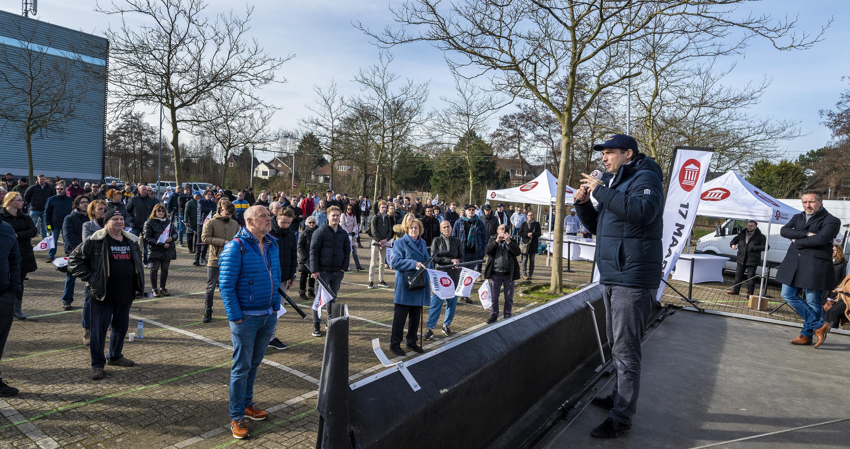 Taaie Thierry even 'thuis', Forum voor Democratie op verkiezingstour in Haarlem - Haarlems Dagblad