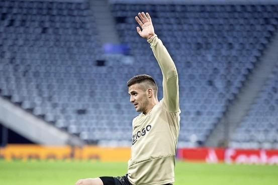 Tadic is gelukkig bij Ajax: 'Overmars heeft beloofd dat er dit seizoen weer een sterk team staat'