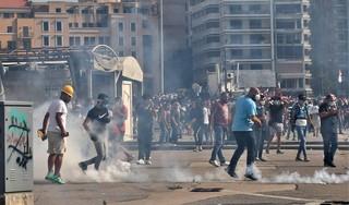 Veel gewonden bij botsingen tussen politie en betogers Beiroet