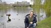 Dit zijn de nieuwe minibewoners van Kerkelanden in Hilversum. Buurtgenoot Pier is de 'geestelijk' vader. 'Geweldig, ik tel tien pulletjes'