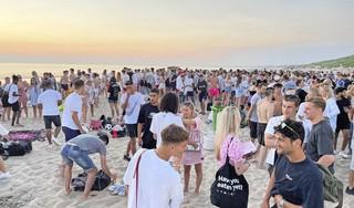 Politie grijpt in bij pop-upfeest op strand Bloemendaal [video]