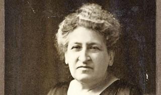 Marian Joëls over twaalf 'eerste vrouwen' die net als Aletta Jacobs het pad effenden in hun beroep