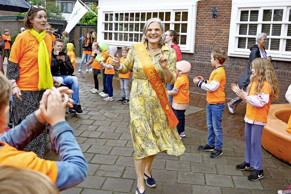 'Miss De Wilge' Lidwien Vos neemt na ruim veertig jaar, waarvan dertien bij De Wilge, afscheid van het onderwijs.
