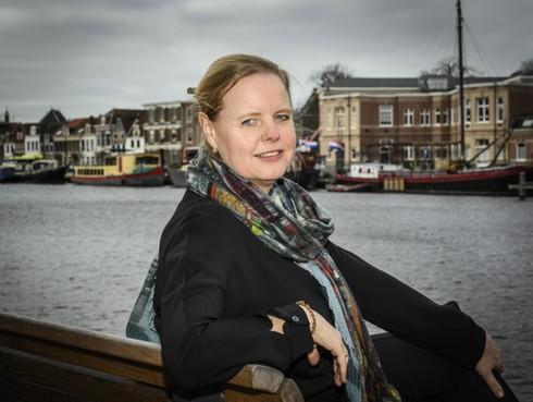 Haarlemse socioloog Anita Wesselius debuteert met psychologische roman Ontdaan