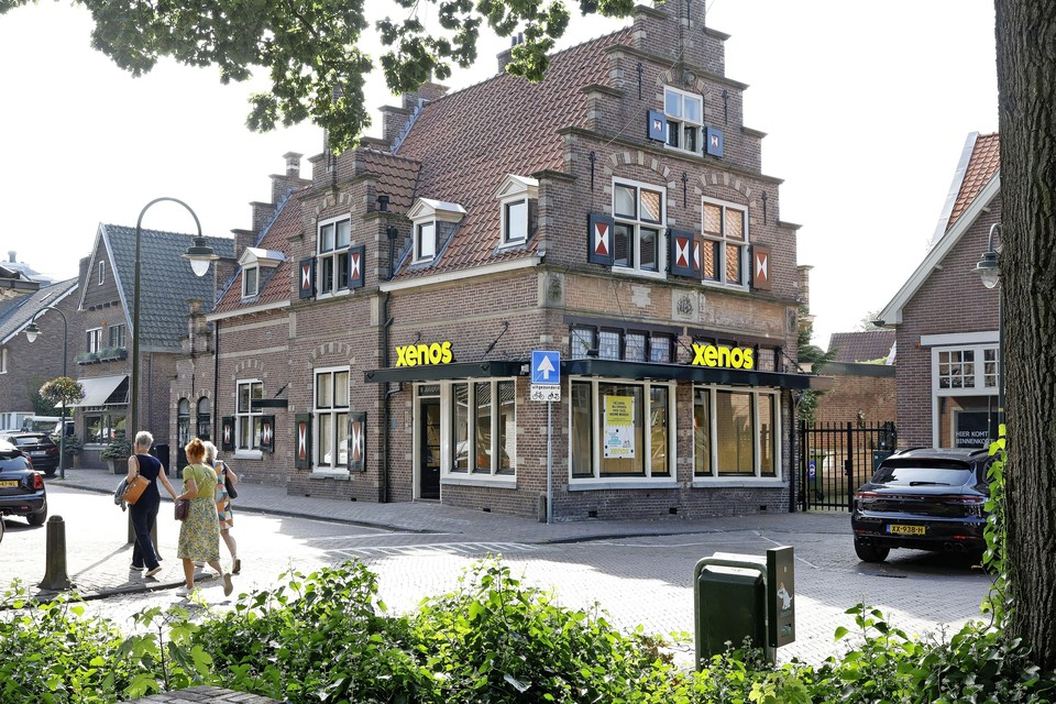 De Xenos in Laren opent donderdag 16 september de deuren in het pand waar eerder de Intertoys zat.