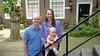 Woningzoeker Inne bezichtigt een jaren-dertighuis in Heemstede met zijn schoonmoeder: 'Soms staat er dus echt een rij buiten'