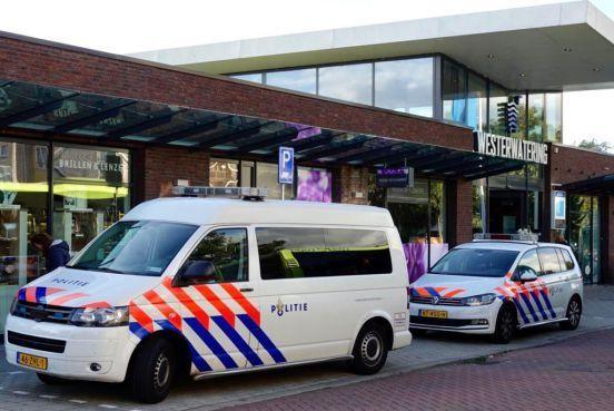 Winkelmedewerker uit Velserbroek zwaargewond bij overval in Zaandam