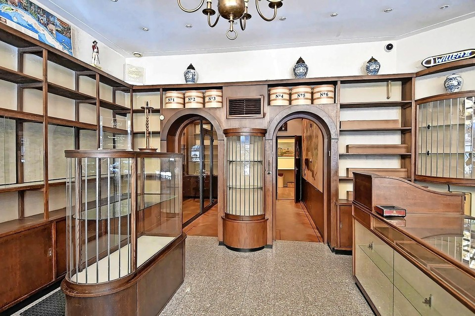 Het interieur van Roks Cigars.
