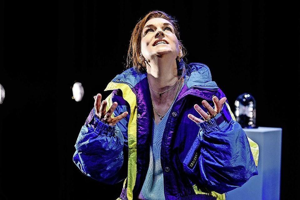 De toneelvoorstelling Doet Sneeuw Pijn kon niet meer in het theater worden opgevoerd en werd omgezet in een videovoorstelling.
