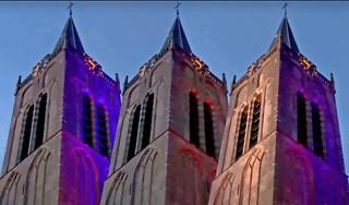 Wijkertoren in Beverwijk straalt nu in alle kleuren [video]
