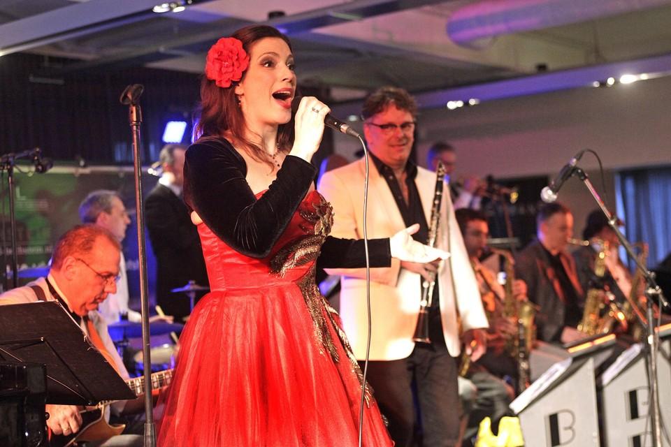 Het Goois Jazzfestival in 2013 met de Doctor Bernard and his Swing Orchestra en Mirjam van Dam.