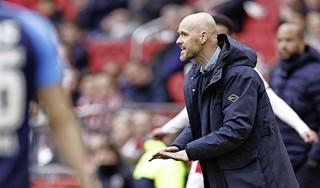 Trainer Ten Hag blijft Ajax voorlopig trouw [video]
